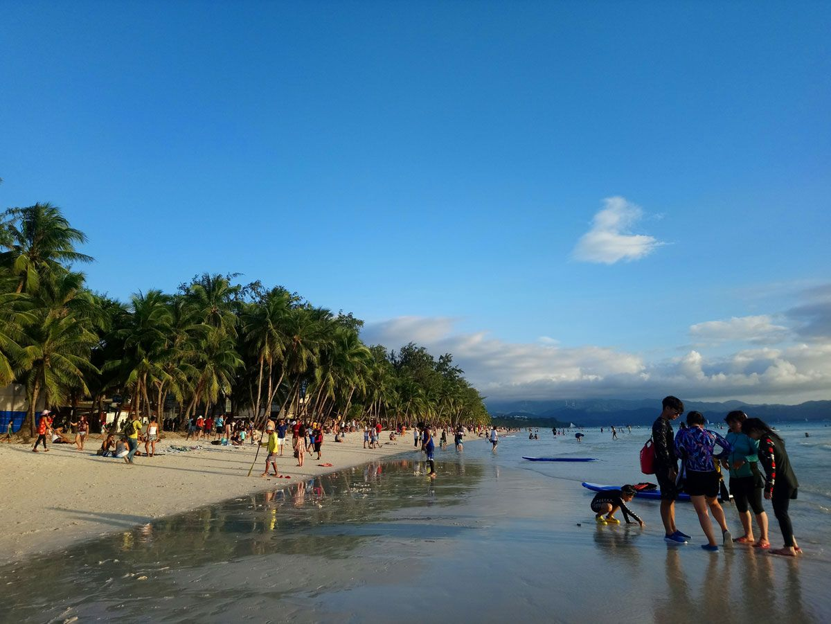 More tourists are expected to flock the beaches of Boracay this week